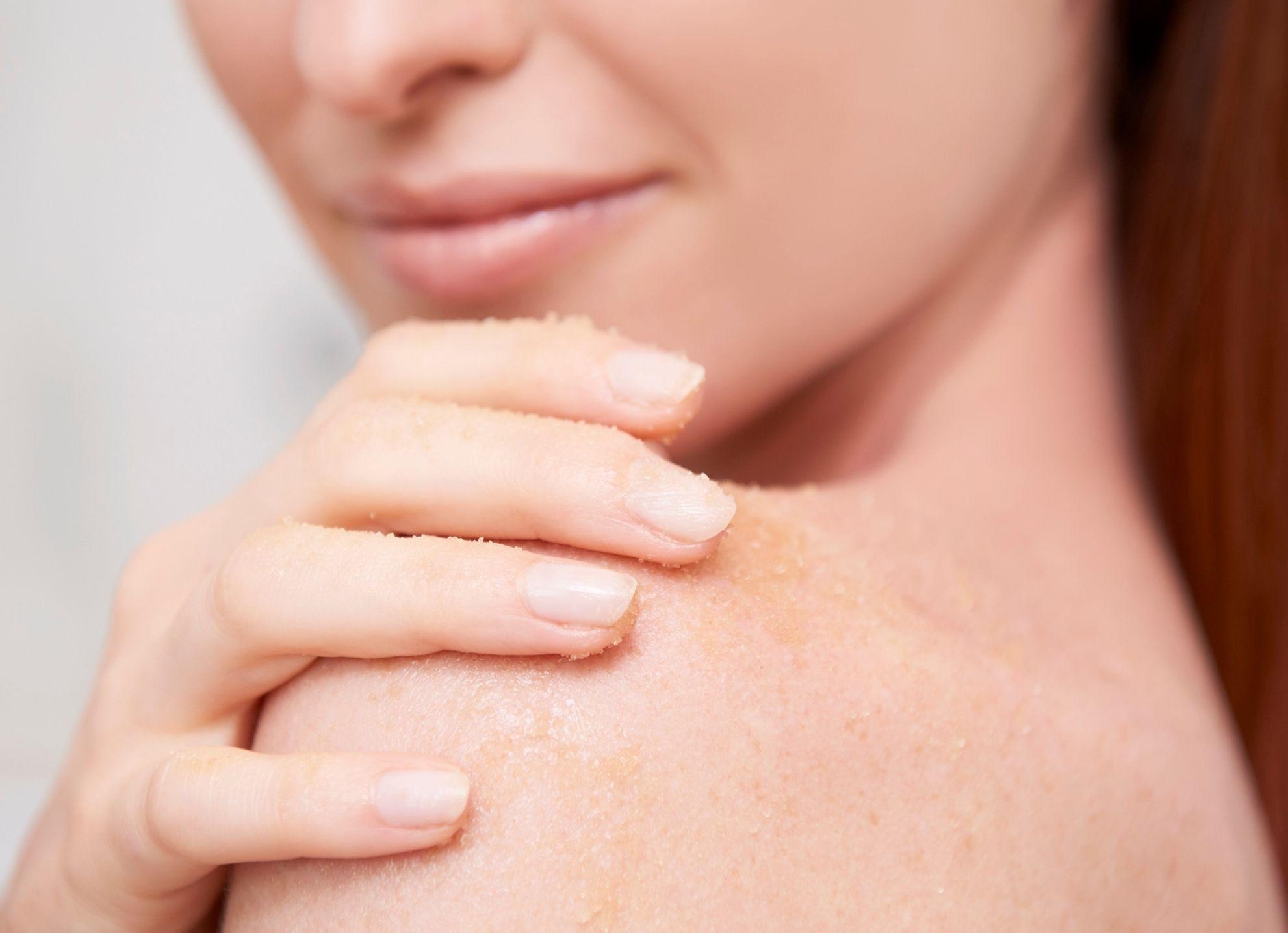 Read more about the article Scrub viso e corpo a base di zucchero: un miracolo per la tua pelle!